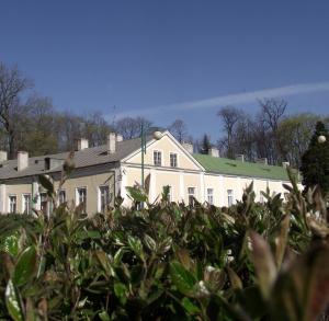 Zespół pałacowo-parkowy w Końskich