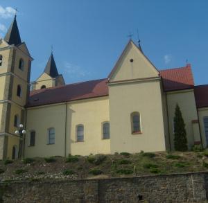 Kościół parafialny p.w. św. Piotra i Pawła w Gowarczowie