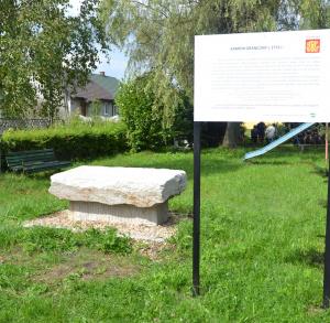 Kamień graniczny w Bedlnie