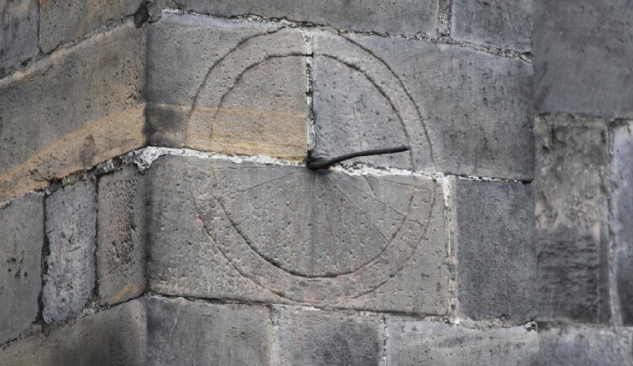 Kolegiata - zegar słoneczny